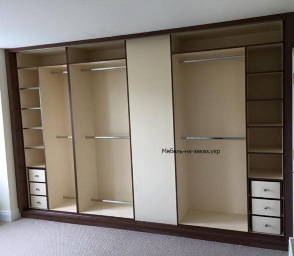 встроенный шкаф-купе в гостинную Бучу