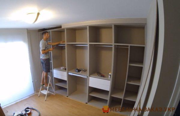 изготовление шкафов в гостиную под заказ Подольский район