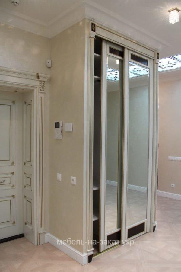 изготовление шкафа-купе с зеркальными дверями