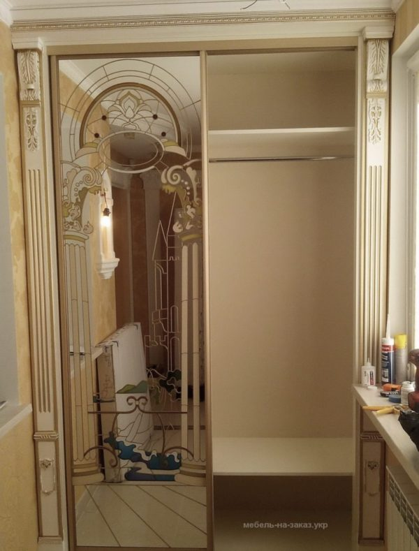 изготовление шкафа-купе с зеркальными дверями на заказ Оболонь