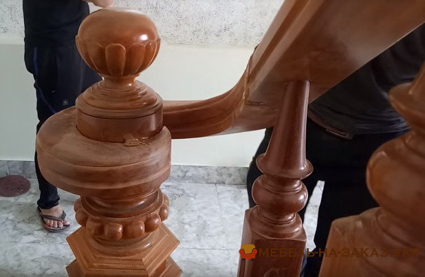 заказать изготовление лестницы из дерева