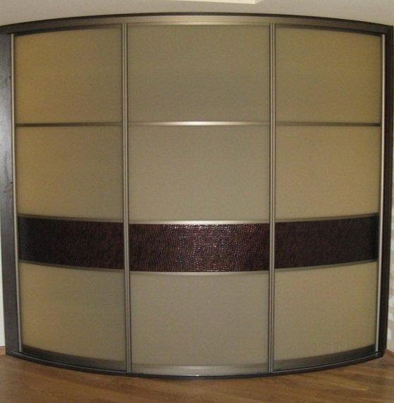 радиусный офисный шкаф купе