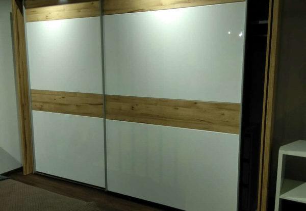 заказной шкаф-купе для коридора