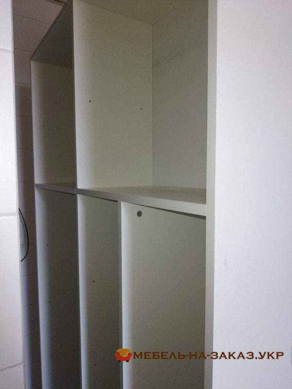 белый шкаф в коридор