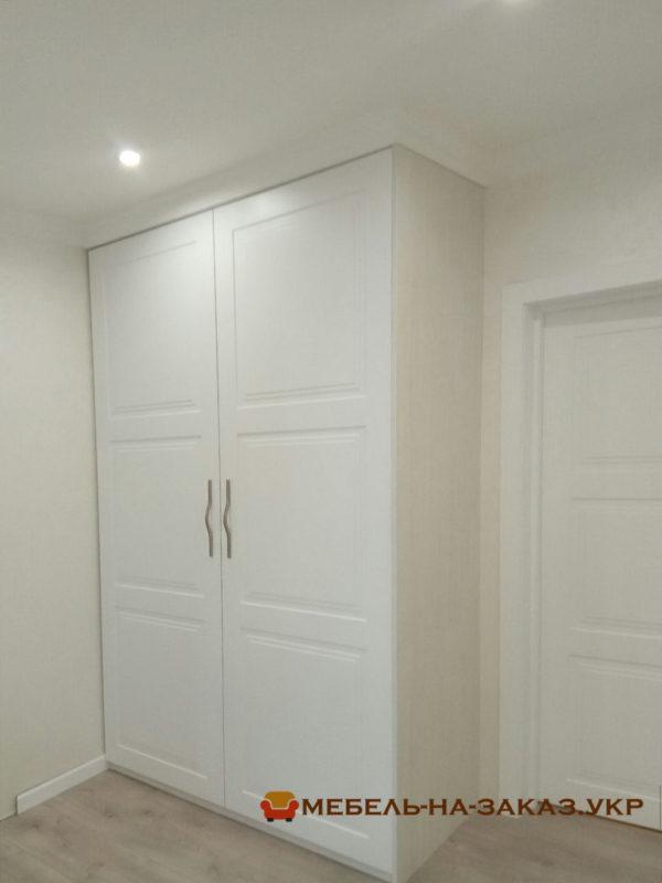 корпусный распашной шкаф в коридор под заказ
