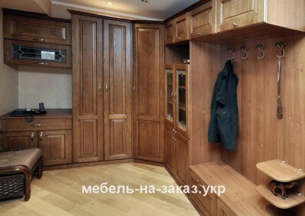 угловые шкафы на заказ  в коридор