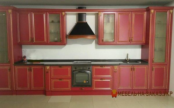 красная кухня с патиной под заказ