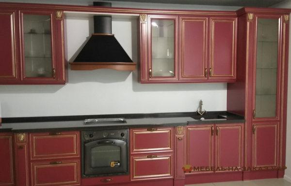 кухня красная с вытяжкой