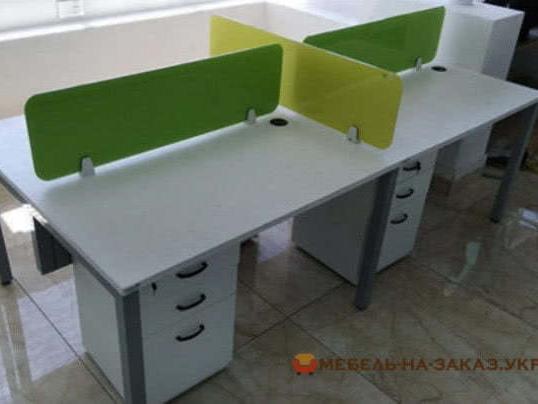 стол с перегородками