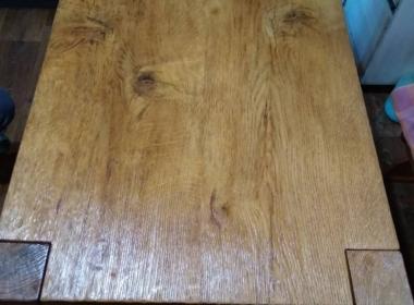 деревянный стол в стиле кантри