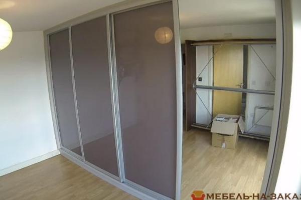 шкаф-купе нестандартный на заказ в спальню