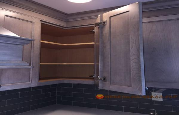 верхняя деревянная кухня