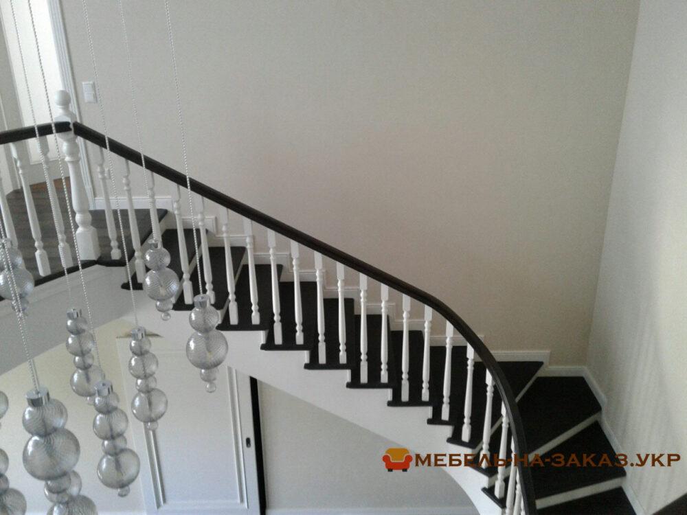 лестница в элитный дом на заказ Москва