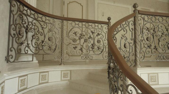 фотографии деревянных лестниц на заказ