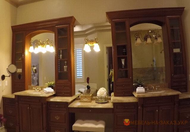 шкаф в ванную из дерева