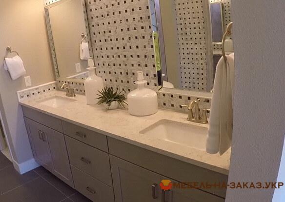 белая тумба в ванную из массива