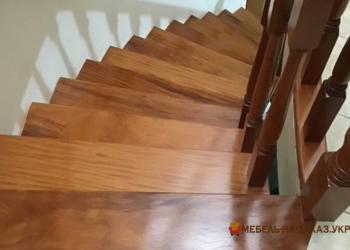 лестница из дерева на виллу Россия