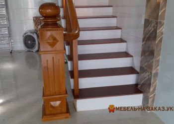 лестница из массива сосны под заказ