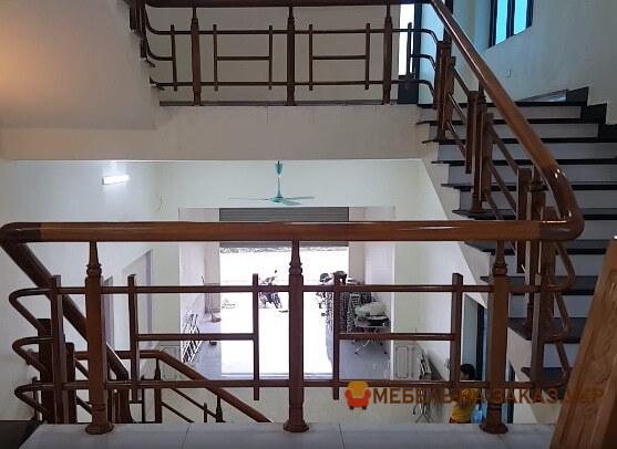 лестницы из бетона и дерева