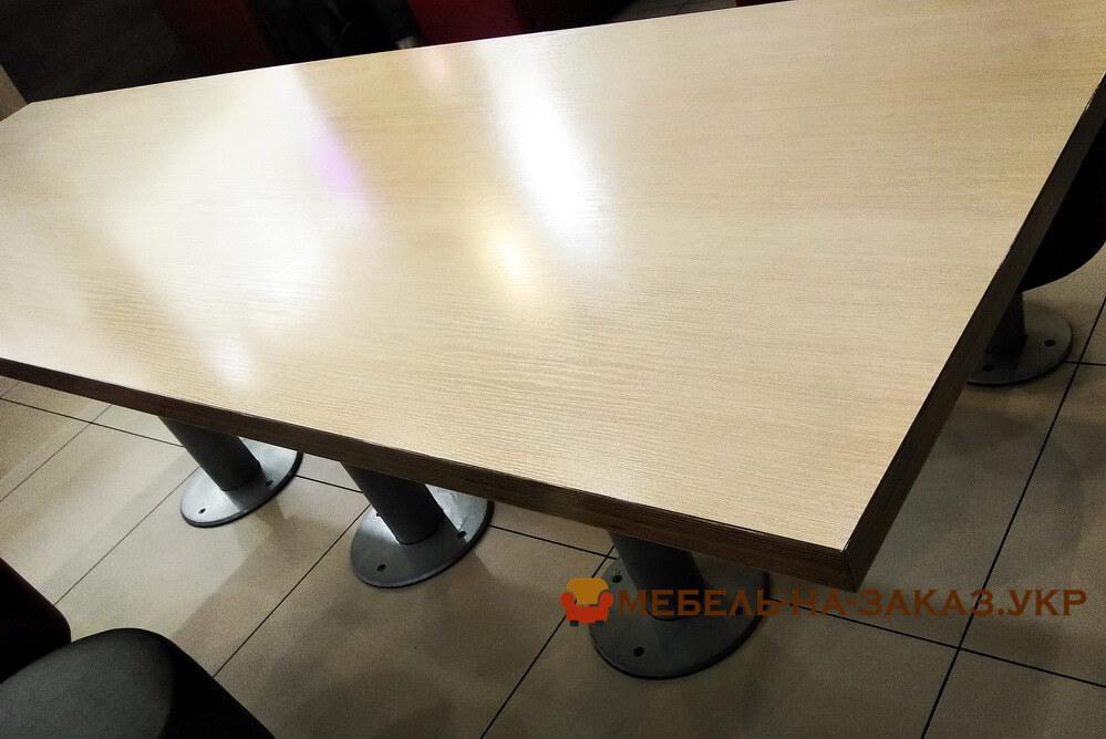 шпонированный стол