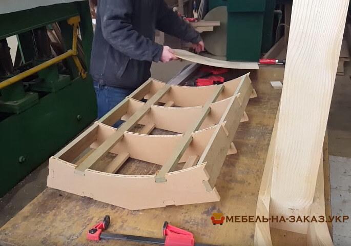 изготовление деревянной стойки из дерева под заказ