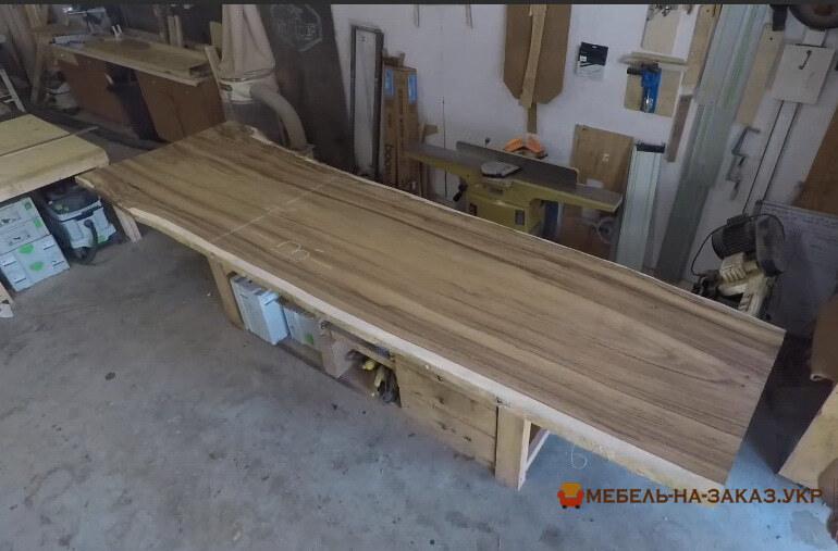 столы для переговоров на заказ из дерева