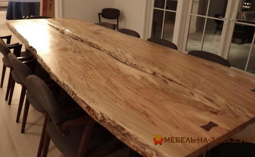 Столы из массива дерева для переговоров