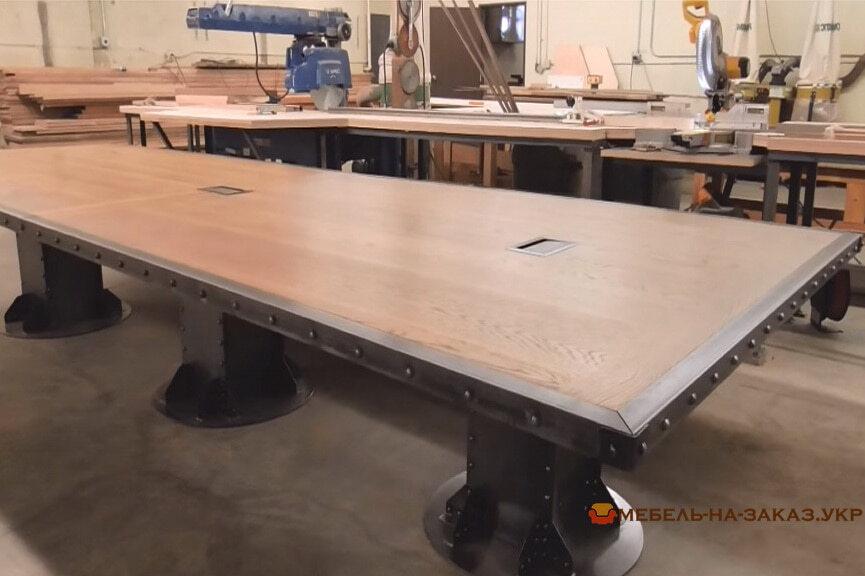 конференц стол из дерева лофт с металлом