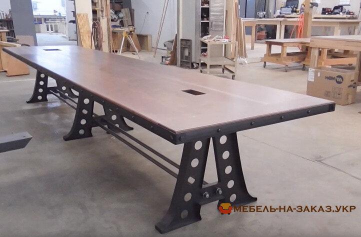 конференц стол из дерева лофт на металлической базе
