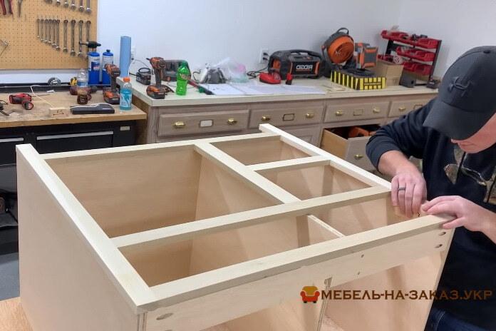 изготовление мебели в ванную из дерева