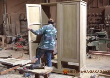 сборка деревянного шкафа