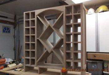 шкаф для хранения вина из дерева