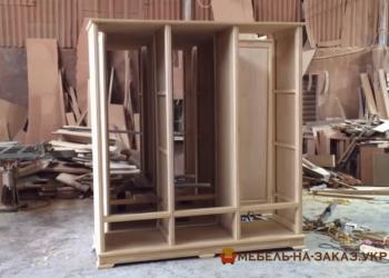 Шкафы деревянные на заказ из массива дерева