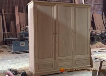 Деревянный шкаф Украина