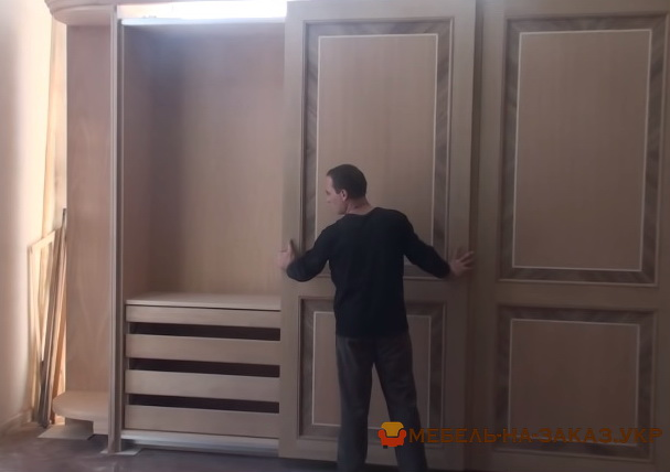 проажа деревянных шкафов