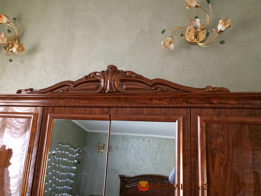 Деревянный шкаф в прихожую на заказ Буча
