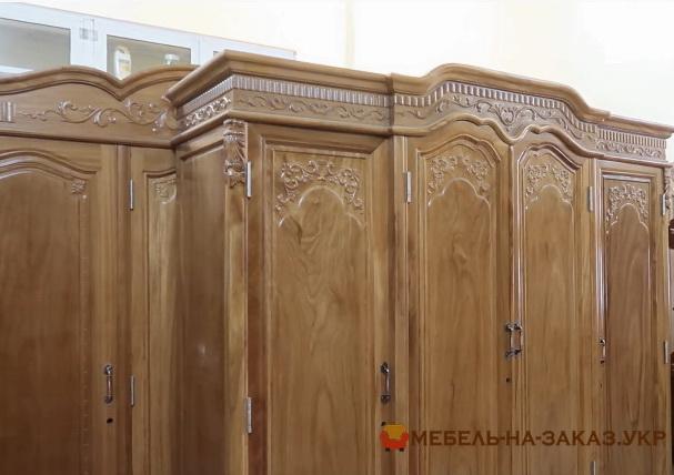 Большой шкаф из массива Большой шкаф на заказ из массива сосны Киев