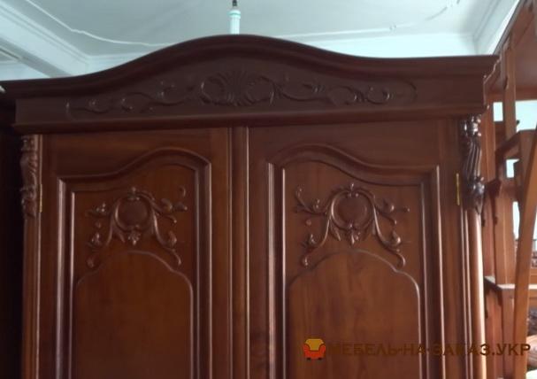 Большой шкаф из массива Большой шкаф на заказ из массива Ольхи