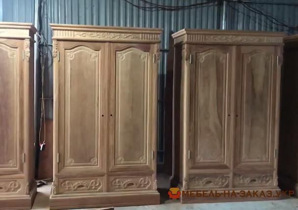 Большой шкаф из массива Сосны