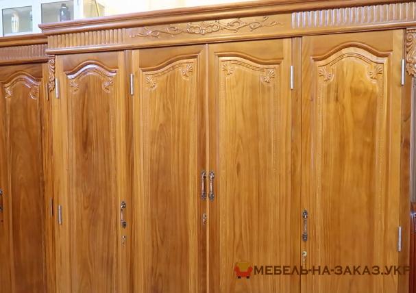 Большой шкаф из массива Ясеня