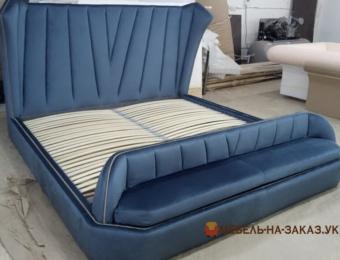 заказная кровать с пуфом ЖК Скай Авеню