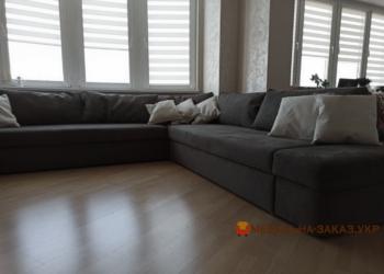 серый раскладной диван с подушками угловой для гостинной Киев