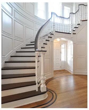 лудожественная лестница из дерева на второй этаж