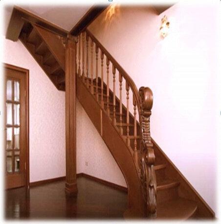 монументальная лестница из дерева