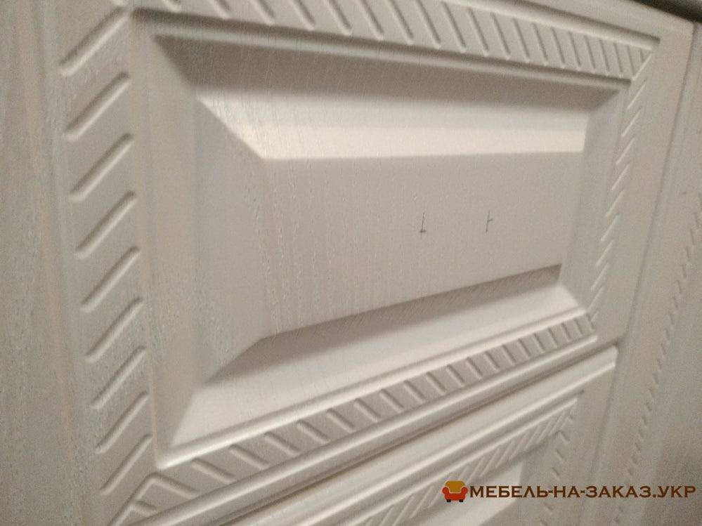 угловой шкаф у окна на заказ
