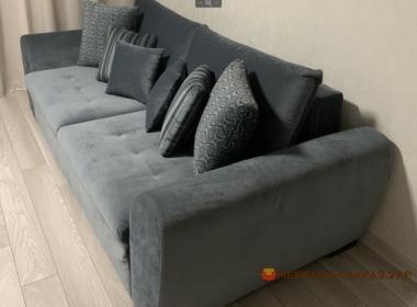 прямой диван со спальным местом для гостиной