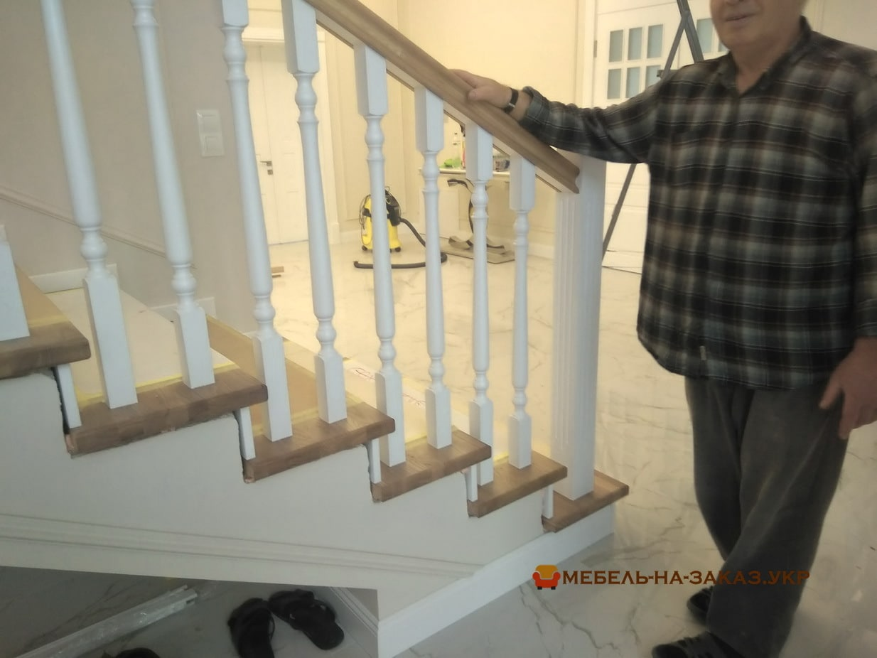 деревянная лестница на заказ Теремки