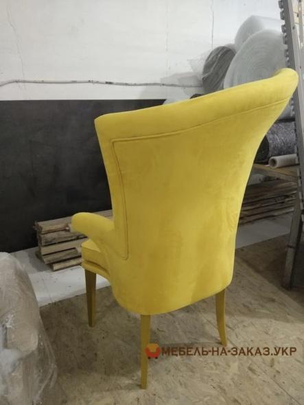 дизайнерские кресла в желтом цвете