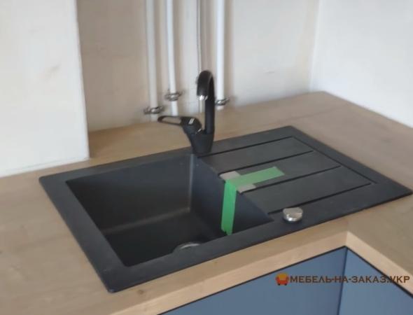 гранитная кухонная мойка на заказ