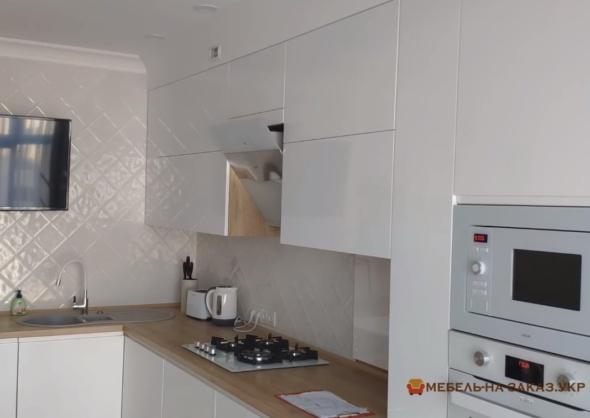 кухня светлая с серой столешницей под заказ